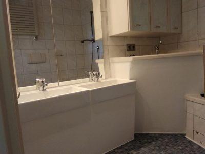 Badezimmer mit kindgerechten Waschbecken Kindertagesstätte (Kita) die Krümelmonster aus Neustadt am Rübenberge